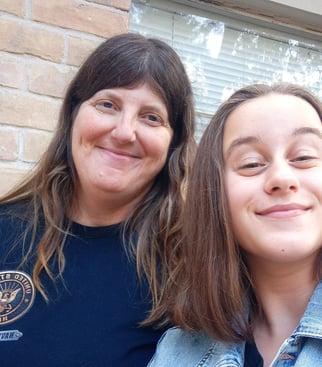 teen girl and host mom selfie