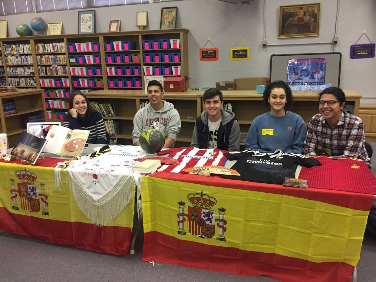 Spanish exchange students sharing their culture and and prepared for a Spanish style tertulia