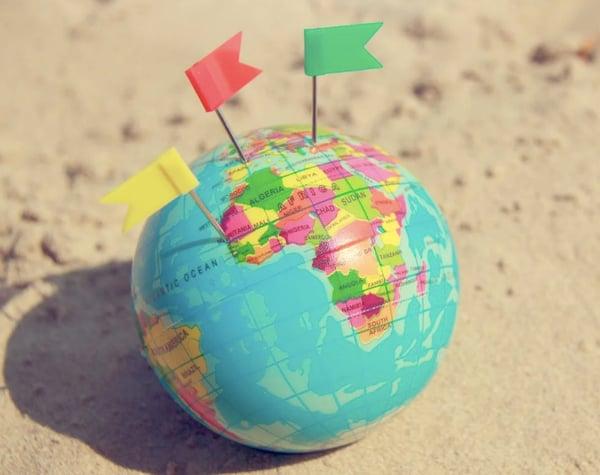 globe w flags