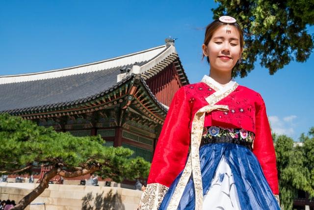 south korean teenage girl in traditional dress